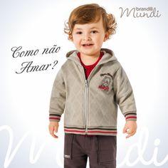 Conforto e estilo é o que não falta nesse #lookbrandili de jaqueta e calça de moletom.   #modainfantil #brandili #criancaestilosa