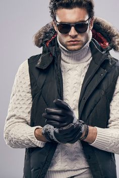 78 winter outfits for men that make you feel safe # men # # menfashion # men Casual Winter Outfits, Men Casual, Trendy Outfits, Mens Fashion Quotes, Men Fashion, Fashion Menswear, Fashion Outfits, Fashion Trends, Apres Ski Outfits