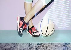 Trendy Women's Sneakers : Stella McCartney x adidas Struthio BOOST… Trendy Womens Sneakers, Ladies Sneakers, Women's Sneakers, Jogging, Adidas Stella Mccartney, Girl Sweat, Adidas Slides, Sneaker Magazine, Sport Casual