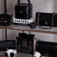 Wealthy Lifestyle, Rich Lifestyle, Huge Closet, Luxury Closet, Rich Man, Always And Forever, Dream Life, Girly, Chanel