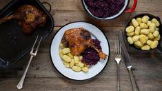 Pečená kachna: naučte se konfitovaná stehna tak, že se nevysuší Laksa, Tandoori Chicken, Beef, Ethnic Recipes, Food, Turmeric, Meals, Yemek, Steak