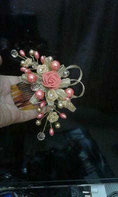 B.maids hair piece Lilac Wedding Invitations, Hand Embroidery Flowers, Alternative Wedding, Maids, Wedding Hair Accessories, Hair Piece, Hair Jewelry, Wedding Hairstyles, Cinderella
