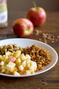 Brown Sugar Apple, Wheat Berry, & Yogurt Parfaits - Pinch of Yum Healthy Dinner Recipes, Healthy Snacks, Brunch Recipes, Healthy Yogurt, Whole Food Recipes, Parfait Recipes, Yogurt Recipes, Yogurt Parfait, Health Breakfast