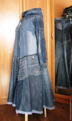 Купить или заказать Бохо-плащ джинсовый 'Констанция' в интернет-магазине на Ярмарке Мастеров. Плащ для яркой, свободной, дерзкой. Настоящей Женщины! Выполнен из джинсов, курток, юбок в бохо-стиле. Фасон и стиль вещи разрабатывается индивидуально. Будем неповторимыми! :0) Возможен вариант с капюшоном + 1500.