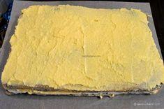 Prăjitură de casă cu mac și cremă de vanilie - rețeta cu blaturi din albușuri   Savori Urbane Sweet Desserts, Cheesecake, Mac, Dairy, Bread, Recipes, Food, Cheesecakes, Brot