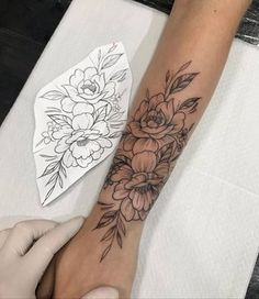 Arm Tattoos For Women Forearm, Rose Tattoos For Women, Tiny Tattoos For Girls, Sleeve Tattoos For Women, Female Thigh Tattoos, Female Tattoo Sleeve, Girly Sleeve Tattoo, Back Of Forearm Tattoo, Henna Arm Tattoo
