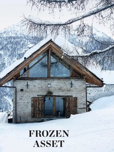 Like the contrast Alpine Chalet, Swiss Chalet, Minimalist Architecture, Architecture Details, Cabin Design, House Design, Cabana, Tiny House Exterior, Spanish House