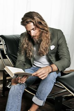 Let's talk about Ben Dahlhaus. He's the Swedish model whose face is going viral for all the right reasons: looks reminiscent of a young Brad Pitt. Ben Dalhaus, Gorgeous Men, Beautiful People, Hair And Beard Styles, Long Hair Styles, Long Hair Beard, Long Beards, My Hairstyle, Prom Hairstyles