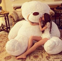 When this teddy bear is to cute ✨ Huge Teddy Bears, Teddy Bear Day, Giant Teddy Bear, Big Bear, Teddy Girl, Giant Plush Bear, White Teddy Bear, Girly Things, Things I Want