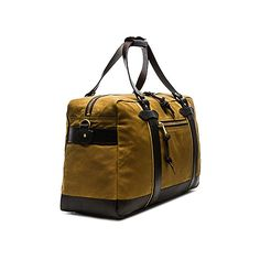 Filson Meridian Duffle (32.880 RUB) ❤ liked on Polyvore featuring men's fashion, men's bags, mens leather duffle bag, mens duffle bags and mens leather bags