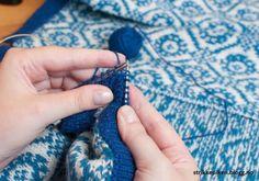 Strikkepiken – Sandwich-stolper med rullekant Knit Crochet, Crochet Earrings, Drop Earrings, Knitting, Hacks, Tejidos, Threading, Tricot, Breien