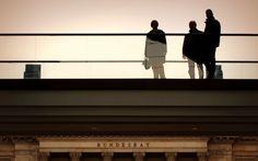Montag, 10.11., 12:33 Uhr – Mitte, Leipziger Straße: Die Brücke in der LP12 Mall of Berlin. Zeit für eine Suppe und eine kurze Pause für ein Bild. © Jörg Fockenberg