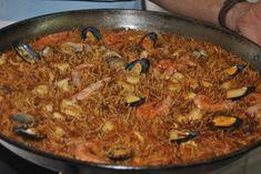 Fideuá de marisco Polenta, Quinoa, Risotto, Ethnic Recipes, Food, Homemade Recipe, Seafood, Cooking Recipes, Drinks