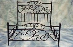 cama de herrería artística Lawn Furniture, Antique Furniture, Outdoor Furniture, Outdoor Decor, Cama Industrial, Wrought Iron Decor, Woodworking Bed, Metal Beds, Metal Crafts