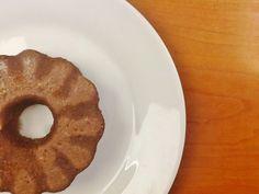 Creme de Avelãs: Bolo de Cacau com Banana no Microondas (Saudável, Sem Glúten, Sem Lactose, Sem Açúcar Adicionado, Sem Gordura Adicionada)