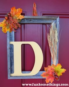 Fall Picture Frame Wreath - So simple, yet pretty! Looks like Frame USA's Barnwood Picture Frame! Picture Frame Wreath, Picture Frame Crafts, Picture Frames, Fall Crafts, Holiday Crafts, Diy Crafts, Rustic Frames, Diy Garden, Fall Pictures