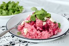 Rizoto s červenou repou a kozím syrom Healthy Menu, Healthy Recipes, Risotto Cremeux, New Flavour, Beetroot, Goat Cheese, Grilled Chicken, Queso, No Cook Meals
