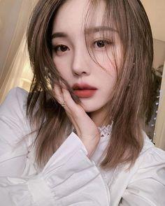 korean makeup looks Korean Beauty Tips, Korean Makeup Tips, Korean Makeup Look, Asian Makeup, Asian Beauty, Korean Natural Makeup, Natural Makeup Looks, Simple Makeup, Pony Makeup