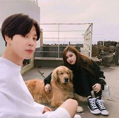 Find images and videos about kpop, bts and couple on We Heart It - the app to get lost in what you love. Foto Jimin, Jimin Jungkook, Bts Taehyung, Blackpink Photos, Bts Pictures, Bts Girl, Kpop Couples, Blackpink And Bts, Ulzzang Couple