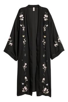 Kimono with Embroidery - Black/flowers - Ladies Abaya Fashion, Muslim Fashion, Kimono Fashion, Fashion Dresses, Tokyo Fashion, Fashion Fashion, Casual Hijab Outfit, Casual Outfits, Long Kimono Outfit