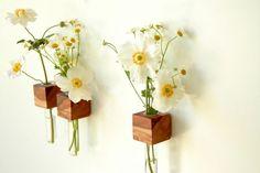 """*Die Vase für alle die etwas """"Besonderes"""" suchen* Diese einzigartige Vase - Kühlschrankmagnet aus *1nem* Apfelwürfel wird in Handarbeit für Sie gefertigt und gibt Platz für 1-3 Blumen oder..."""