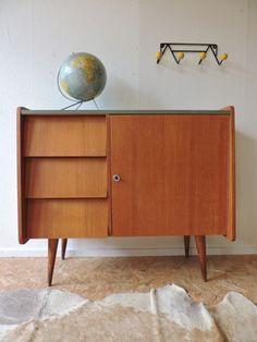 1000 ideas about bahut on pinterest meuble bahut chaises bois and table basse en bois. Black Bedroom Furniture Sets. Home Design Ideas
