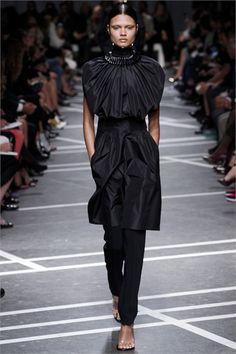 Sfilata Givenchy Paris - Collezioni Primavera Estate 2013 - Vogue