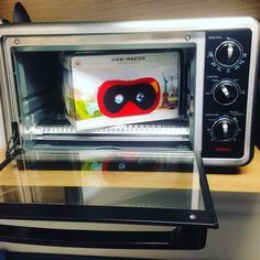 An awesome Virtual Reality pic! Look what just came out the oven! The Viewmaster virtual reality headset!! We are working on some educational pieces for the viewmaster right now check www.outlyervr.com ! #viewmaster #starterpack #virtualreality #vr #mattel #360videos #360video #oculus #360 #outlyer #outlyervr by outlyervr check us out: http://bit.ly/1KyLetq