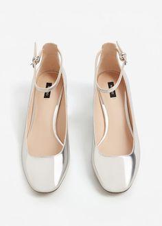 Bilekten bağlamalı metalik ayakkabı | MANGO