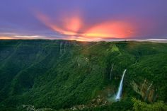 Are you looking for some romantic travel destination of India? Here are the 5 romantic travel destination of India. Beautiful Places To Visit, Cool Places To Visit, Places To Go, Amazing Places, Beautiful Landscape Paintings, Pretty Landscapes, Iceland Landscape, Christmas Landscape, Japanese Landscape