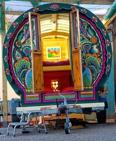 caravan interior 548805904594663797 - Travel Like a Modern Gypsy in a Handmade Bowtop Caravan Source by Caravan Home, Gypsy Caravan, Gypsy Wagon, Caravan Ideas, Bohemian Gypsy, Gypsy Style, Hippie Chic, Hippie Style, Boho Style