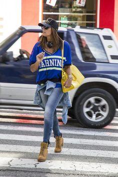 Vanessa de KEYKO a model luce muuy guapa con un look casual con mucho estilo en el que ha elegido varias de nuestras pulseras MAR BCN para completar so look, nos encanta!!! consíguelas en: www.marbcnshop.com