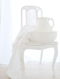 glowing white on white interior design home accessories