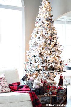 Christmas Flocked Tr