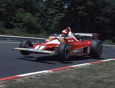 Niki Lauda décolle sur Flugplatz Nurburgring 1976