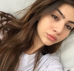 [ p ι n т e r e ѕ т ] : jasminelaurente⚡️ 💕Hi! I feel too tired of my boring boyfriend and now looking for a nice guy to hang out with. 👅 Would you like to join me? Beauty Makeup, Face Makeup, Hair Beauty, Pretty People, Beautiful People, Natural Eyebrows, Bare Face, Insta Photo Ideas, Lip Art