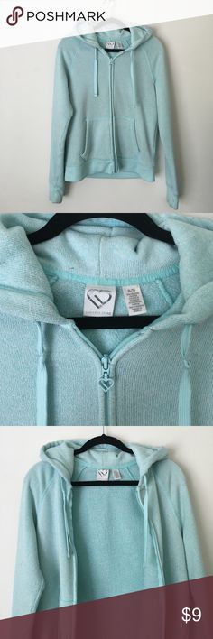 Aero Fleece Sweater Hoodie - Baby Blue Light gray & white striped fleece sweater hoodie. Zip front w/pockets. Smoke free home & happy to discount bundles! Please note this does have quite a bit of wear and pilling, especially under the arms (see photos). There are also some light stains on the elbows. Other than that it is still very warm and comfy. Might be perfect for camping or just lounging around the house! 😊 Aeropostale Tops Sweatshirts & Hoodies