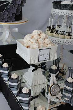 An amazing Runway / Catwalk black and white theme party. Shop for Black and White Theme Decorations, Tableware and Supplies. White Dessert Tables, White Desserts, Dessert Buffet, Dessert Stand, Chanel Party, White Bridal Shower, White Baby Showers, Baby Shower Parties, Baby Shower Themes