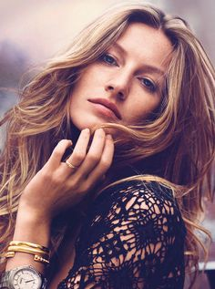 Everything You Ever Wanted to Know About Gisele Bundchen's Iconic Waves (how to get them, according to Bundchen herself)