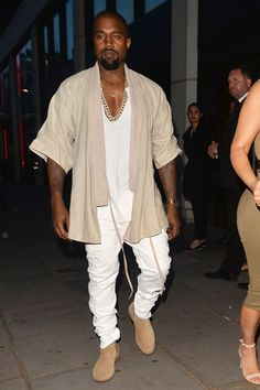 Want to see Kanye West perform live on his Saint Pablo Tour? Join the Kanye West Fan Group and Waiting Lists to attend the concert on September 5, 2016