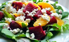 This colorful salad combines the earthy flavor of beets with the sweetness of orange. This stunning explosion of color is a welcome addition to any table. To prepare Beet Salad with Oranges and Fet… Feta Salad, Cucumber Salad, Cheese Salad, Diabetic Recipes, Cooking Recipes, Healthy Recipes, What's Cooking, Easy Beet Recipe, Roasting Beets In Oven