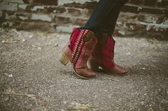 Sincerely, Kinsey: Rugged Sweater to Boots DIY step by step Photo tutorial - Bildanleitung