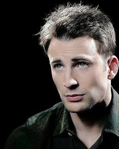 ❤ #ChrisEvans Steven Grant Rogers, Steve Rogers, Robert Evans, Chris Evans Captain America, Marvel Actors, Stucky, Attractive Men, Drawing People, Cute Guys