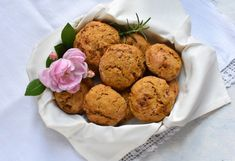 Unser täglich Brot: Kürbis-Speckweckerl - sugar&rose Regional, Muffin, Cookies, Rose, Breakfast, Ethnic Recipes, Desserts, Peasant Bread, Food Food