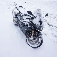 Sportbike Motorcycles, Bmw S1000rr, Sport Bikes, Snow, Vehicles, Racing Motorcycles, Sportbikes, Sport Motorcycles, Car