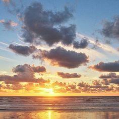 Günaydın Güneş! Good Morning Sunshine!  #günaydın #goodmorning #gunaydin #bonjour #sunshine #şükür #grateful #innerjourney #nefes #love #wakeup #hamdolsun #namaste #doğa #sea #memories #letgo #grateful #seaside #deniz #clouds #bulut