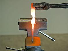 Blacksmithing 101: How to Make a Forge and Start Hammering Metal Metal Shop, Metal Art, Metal Projects, Welding Projects, Metal Crafts, Blacksmith Hammer, Forging Metal, Forging Tools, Ideas