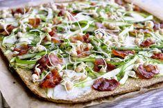 Broccolipizza med asparges, bacon og ærtespirer - Julie Karla, Sunde Opskrifter, Low Carb Opskrifter