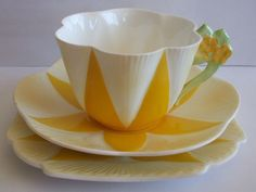 Shelley Dainty Yellow panel Flower Handle 11939/41 Tea trio A/F    eBay