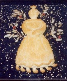Έφτασε η περίοδος της Μεγάλης Σαρακοστής. Για να βοηθήσουμε τα παιδιά να κατανοήσουν την περίοδο της Μεγάλης Σαρακοστής και της νηστείας μπορούμε να χρησιμοποιήσουμε την παράσταση της Κυράς Σαρακο… Christian Holidays, Seasons, Traditional, Christmas Ornaments, Eat, Holiday Decor, Home Decor, Container, Education